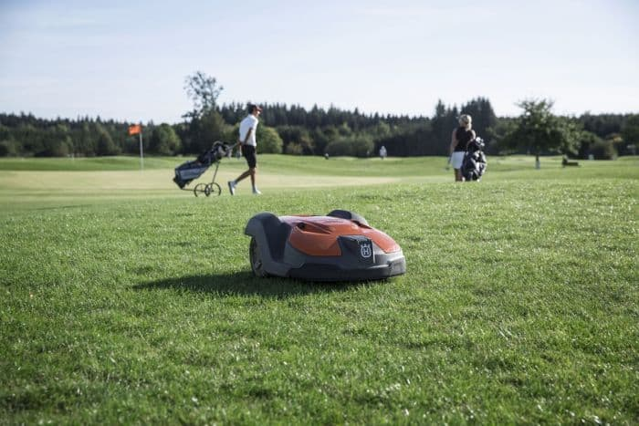 HUSQVARNA 550 COMMERCIAL ROBOTIC LAWNMOWER
